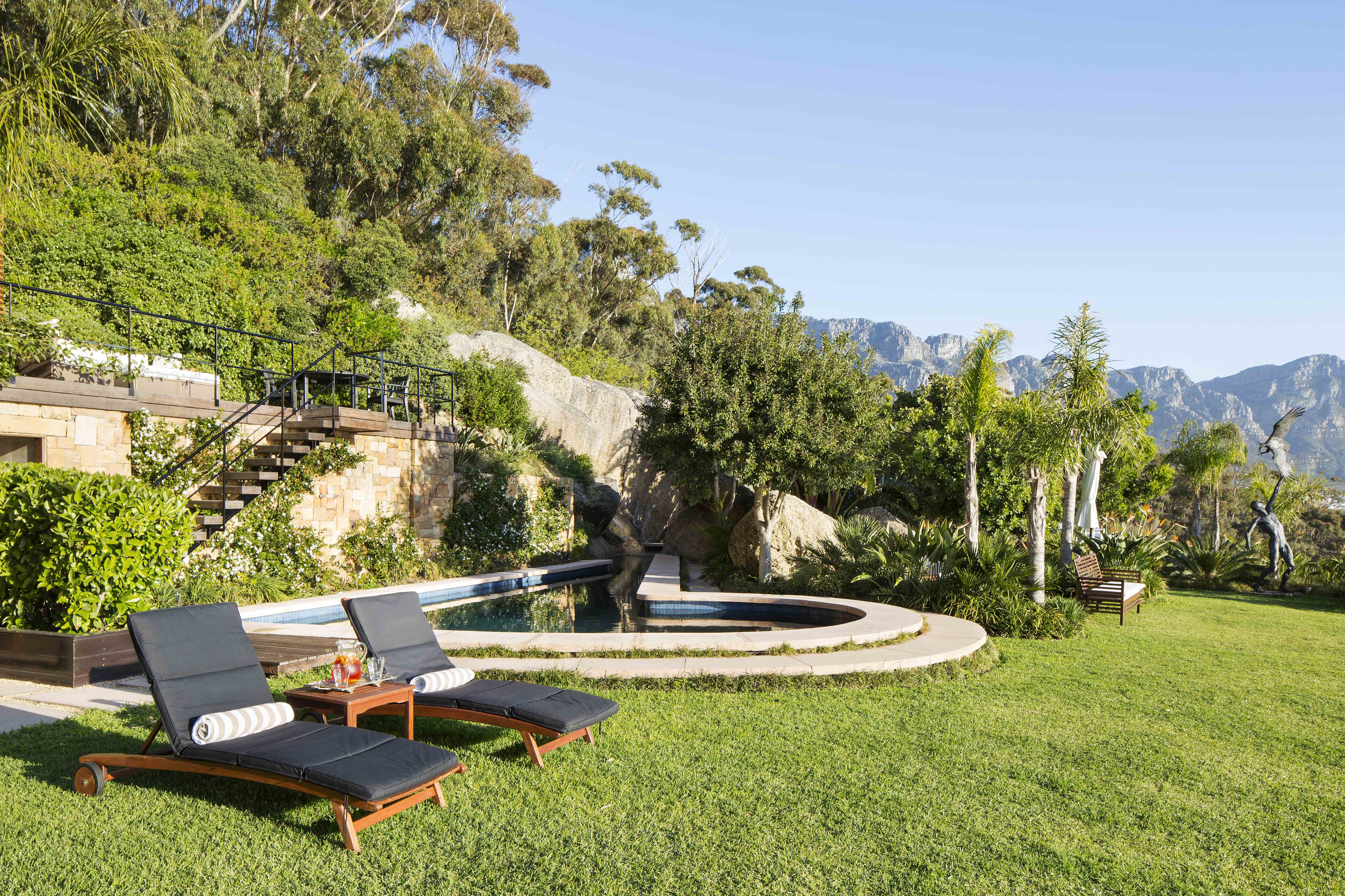 Villa 21 clifton camps bay hideaways cape town south for Garden town pool